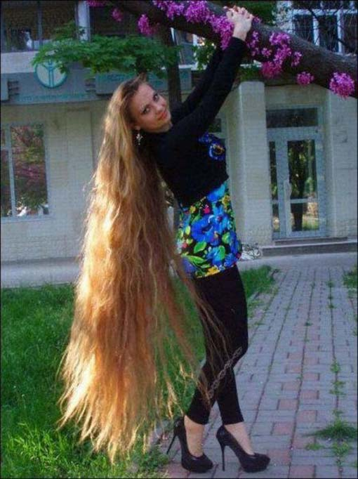 http://loverlem.blogspot.com/2014/06/contoh-wanita-berambut-panjang.html