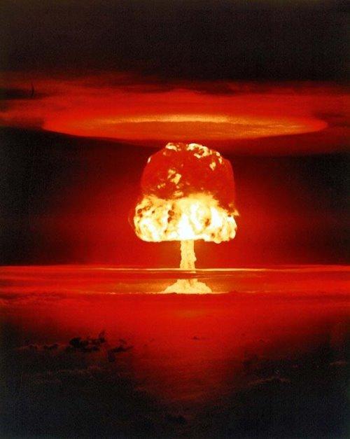 Ledakan Nuklir di [Roghuzshy.wordpress.com]