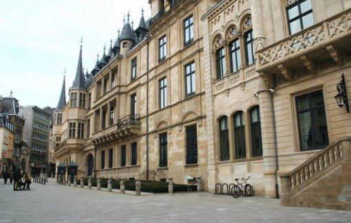 11a-istana-luxemburg
