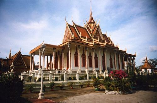3a-istana-raja-kamboja