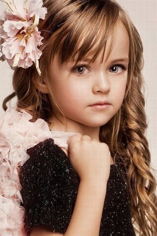 GADIS MODEL CILIK RUSIA (THE LITTLE MODEL FROM RUSSIA)