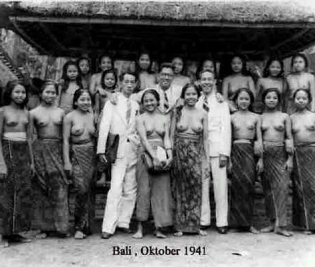 Para Murid Perempuan Bali Tempo Doeloe