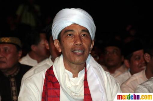 1. jokowi-rayakan-jakarta-night-religious-festival-2013-008-debby