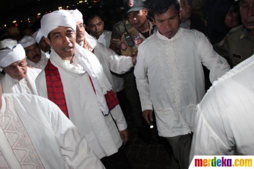 2. jokowi-rayakan-jakarta-night-religious-festival-2013-002-debby