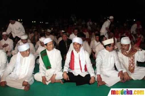 3. jokowi-rayakan-jakarta-night-religious-festival-2013-004-debby