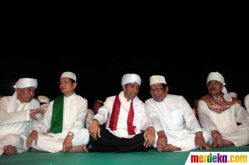 4. jokowi-rayakan-jakarta-night-religious-festival-2013-006-debby